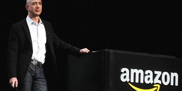 ชื่อเดิมของ Amazon.com คือ Relentless.com